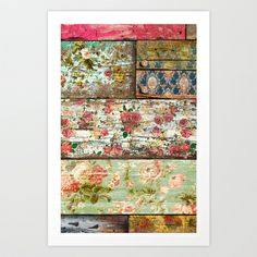 old roses: Wallpaper on old wood, then sandpaper. patina decoupage con rosas y despues lijado Old Wood, Home Projects, Painted Furniture, Painted Wood, Painted Boards, Repurposed Furniture, Wood Crafts, Betta, Shabby Chic
