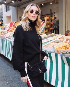 """Mi piace"": 502, commenti: 23 - WhichClothesToday (@manondurst) su Instagram: ""Monday 😩 Pic by @samanthagvn - - - - - - - #parisienne #parisianlife #parisianblogger #tendance…"""