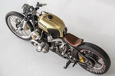 The custom bike scene is fullof builders pumping out café racers, trackers, bobbers, scramblers and just about anything imaginable. Yet Chris Canterbury, founder and owner of  Boxer Metal in Calif…