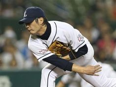 Hideaki Wakui promptly slammed the door on the Marines in the 9th inning, retiring the side in order to protect a 4-2 lead and collected his 10th save of the season at Seibu Dome on Wednesday, July 25, 2012.