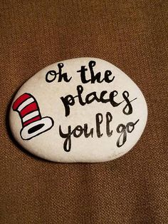 Hand painted River Rock Dr Seuss - Crafts Are Fun Rock Painting Ideas Easy, Rock Painting Designs, Painting For Kids, Diy Painting, Pebble Painting, Pebble Art, Stone Painting, Painted River Rocks, Painted Rocks Kids