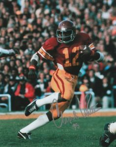 Charles White, a four-year letterman at USC, finished his career as the NCAA's second-leading rusher of all-time with regular-season yards. Including bowl games, White finished with a conference-record yards rushing. College Football Players, Football Hall Of Fame, Football Gif, Ncaa College, School Football, Football Helmets, Usc Athletics, Heisman Trophy, College Game Days