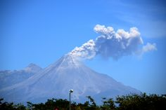Volcán de Fuego de Colima -  http://newsnet.conacytprensa.mx/index.php/fotostock/3068-estudian-anatomia-del-volcan-de-fuego-de-colima/20446-volca-n-de-fuego-de-colima