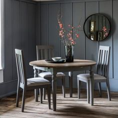 Cookham Round Extending Dining Table