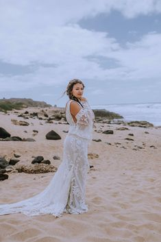 The most beautiful Hawaii Bride in flowy lace wedding dress at Dillingham Ranch Hawaii Wedding Venue. Loved the v-neck line on this romantic wedding dress. Browse the blog to see more from the wedding day including, beach bridal makeup, beach bride inspo and more - Oahu Wedding Photographer Anela Benavides Whimsical Wedding Inspiration, Maui Wedding Photographer, Bridal Session, Bridal Hair And Makeup, Groom Style, Hawaii Wedding, Elopements, Oahu, Bridal Style