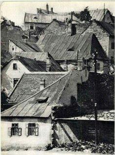1900 körül. Tabán, Hadnagy utca. Old Pictures, Old Photos, Vintage Photos, Hungary Travel, Budapest Hungary, Historical Photos, Paris Skyline, Landscape, History
