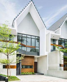 Trendy ideas for house exterior modern entrance Modern Entrance, House Entrance, Entrance Ideas, Basement House Plans, Craftsman House Plans, Facade Design, Exterior Design, Modern Townhouse, Building Facade