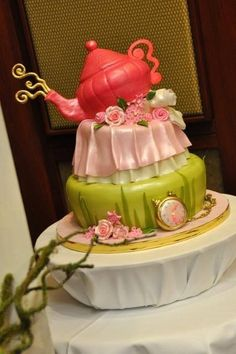 Teapot & The Watch -Alice in Wonderland Cake