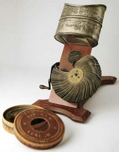 Kinora viewer - English viewer with a selection of flip book reels.
