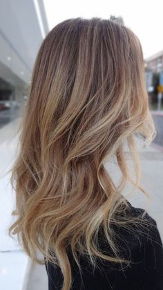 Angesagten Balayage sandigen blonden Haar