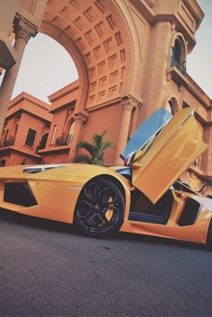 Yellow as a chick. High End Cars, All Cars, My Dream Car, Dream Cars, Top 10 Supercars, Latest Cars, Sport Cars, Cars Motorcycles, Vehicles
