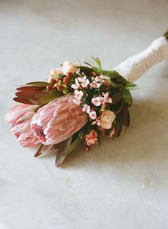 Simple Wedding Bouquets, Protea Wedding, Artificial Wedding Bouquets, Bridesmaid Flowers, Bride Bouquets, Flower Bouquet Wedding, Simple Weddings, Floral Wedding, Protea Bouquet