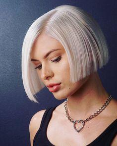 Blond Hairstyles, Short Blonde Haircuts, Blunt Bob Hairstyles, Blonde Bob Haircut, Short Bob Haircuts, Short Haircut, Trending Hairstyles, Modern Bob Haircut, Blunt Haircut