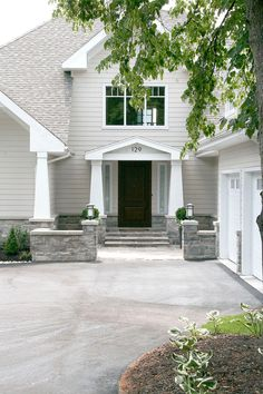 Lake View Residence by Staples Design Group - DC Dream House. See Decor Ideas. Exterior Paint Colors, Exterior Design, Interior And Exterior, Beautiful Architecture, Architecture Design, White Exterior Houses, Traditional Exterior, Lake View, House Painting