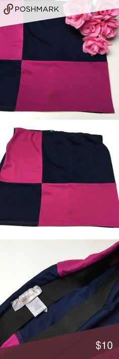 Color Block Mini Skirt 💗 Super cute color block mini skirt. Size says XL but will fit a medium best. Stretchy. Brat Star Skirts Mini