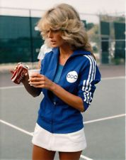Farrah Fawcett, Jaclyn Smith, and Cheryl Ladd in Battle of the Network Stars. Tennis Fashion, 70s Fashion, Fashion Beauty, Vintage Fashion, Tennis Outfits, Tennis Clothes, Charlotte Rampling, Farrah Fawcett, Twiggy