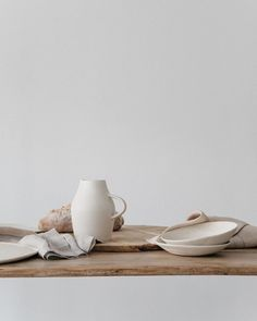 Some beautiful textures, linens, and ceramics gracing my screen this morning as I finish up some photos from my collection for… Wabi Sabi, Objet Deco Design, Design Minimalista, Prop Styling, Slow Living, Beautiful Textures, Pottery Studio, Still Life Photography, Interior Styling