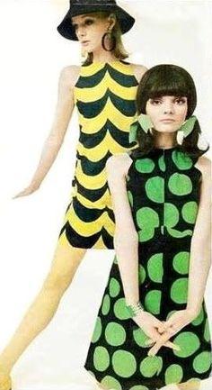 1960s vintage fashion - mod mini dresses shift dresses yellow black green color photo print ad models circles scallops