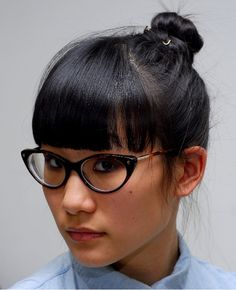 I want her bangs & her Tom Ford glasses!