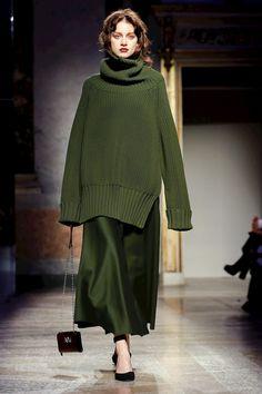 Anteprima Ready To Wear Fall Winter 2018 Milan - Cute Outfits Live Fashion, Fashion 2020, Runway Fashion, Fashion News, Fashion Show, Fashion Looks, Womens Fashion, Fashion Trends, Fashion Fashion