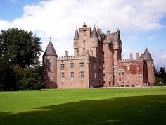 Glamis Castle, Kirriemuir, Angus, Scotland, birthplace of the the Queen Mother and Princess Margaret