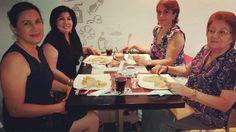 Gracias por venir #disfrutandolakafeta #crepes #cofeetime #tazadorada #milkshake #frappuccino #cupcakes #aeropress http://ift.tt/1Vbg53z