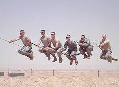 """Fiebre del Quidditch, deporte de """"Harry Potter"""" llega incluso a bases del ejército de EU (FOTOS)"""