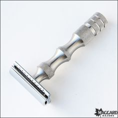 Maggard Razors MR5 Safety Razor with Stainless Steel Handle.  finally got it!!!!
