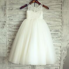 Princess+Floor-length+Flower+Girl+Dress+-+Lace+/+Satin+/+Tulle+Sleeveless+Scoop+with+–+USD+$+79.99