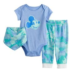 Mickey Mouse Outfit, Disney Mickey Mouse, Toy Story Baby, Baby Kids, Baby Boy, Cool Baby Clothes, Disney Frozen 2, Baby Mouse, Disney Toys