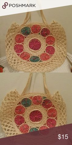 Straw Purse Lovely straw purse, perfect for light days! Add a scarf or fabric inside for extra lining. Bags Mini Bags