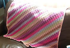 [Free Pattern] This Really Popular And Easy Corner-To-Corner Pattern Is Endlessly Adaptable - Knit And Crochet Daily Baby Girl Crochet Blanket, Easy Crochet Blanket, Knitted Baby Blankets, Baby Girl Blankets, Crochet Baby, Knit Crochet, Crochet Afghans, Free Crochet, Crochet Stitches