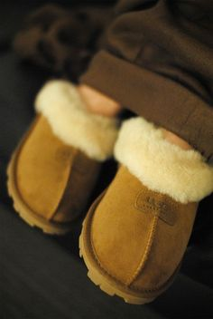 Love!!! Some less than $149 Im sure these will be on one of my girls Xmas list... #UGG #Boots FOR #Winter