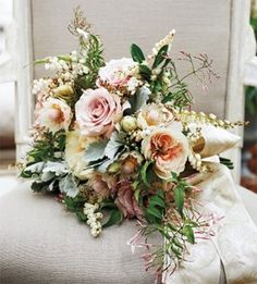 Blake Lively's Bouquet... it's actually quite pretty! Wish I could have that pink jasmine here in Maryland...