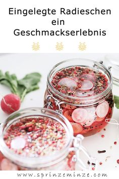 You are probably familiar with pickled gherkins, peppers, etc. But have you tried pickled radishes before? Because you've missed a real taste experience so far. Great Appetizers, Healthy Appetizers, Appetizer Recipes, Slow Cooking, Pork Recipes, Paleo Recipes, Barbecue Recipes, Pickled Radishes, Raw Vegan