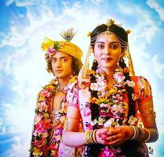 Image may contain: 3 people, people standing Radha Krishna Songs, Radha Krishna Holi, Krishna Leela, Jai Shree Krishna, Cute Krishna, Lord Krishna Images, Radha Krishna Pictures, Krishna Photos, Krishna Art