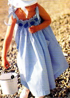 [Couture] The smocked dress - Shop Knitting and Creative Leisure Dress Sewing Patterns, Clothing Patterns, Smocking, Little Dresses, Girls Dresses, Kids Outfits, Cute Outfits, Couture Sewing, Smock Dress
