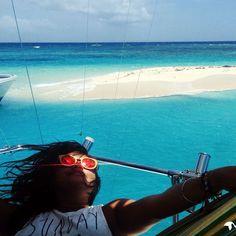➳ Hoy en el #blog te presentamos pedacito de arena blanca en el medio del mar turquesa caribeño que no te puedes perder. « ✈ » Today's blog post: Gyp-seaking Palominitos Island, Puerto Rico. #InnatelyGypsea #SundayFunday
