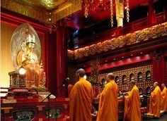 robe orange moines bouddhistes