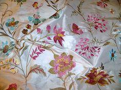LEE JOFA GUINEVERE bestickt Seide Stoff 10 m von elegantfabrics1