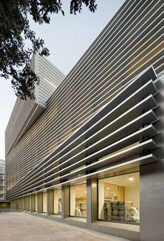Edificios: Protección solar en fachadas,© Pedro Pegenaute