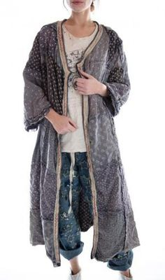 Cotton Calico Patchwork Emporium Coat with Sunfading, Distressing, Raw Seams and Hand Stitched Trim, Magnolia Pearl Modern Hippie Style, Hippie Chic, Bohemian Style, Vintage Costume Jewelry, Vintage Costumes, Magnolia Pearl, Funky Outfits, Hippie Jewelry, Yoga Jewelry