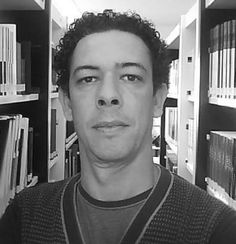 I ♥ E-Poetry is pleased to introduce a new regular contributor from Brazil: Luís Claudio Costa Fajardo. Luís Cláudio Costa Fajardo teaches Design in Digital Media at the Institute of Art and Design, Federal University of Juiz de Fora, Minas Gerais, Brazil.