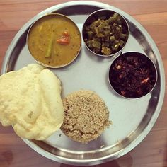 Sambhar beans poriyal and thandukeerai (red amaranth) with quinoa and papad. Palak Paneer, Quinoa, Beans, Homemade, Dinner, Ethnic Recipes, Red, Instagram, Dining