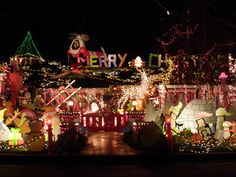 pictures of christmas decorated entryways in homes | christmas decorated house however we found the best decorated house no ...