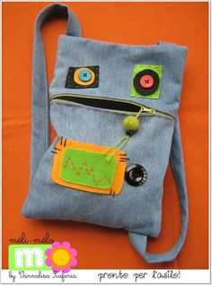 To show Dana Animal Bag, Diy Bags Purses, Baby Sewing Projects, Diy Handbag, Recycled Denim, Denim Bag, Kids Bags, Denim Ideas, Texans
