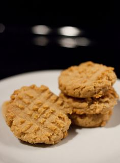 low carb - peanut butter cookies with almond flour