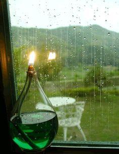 ♥♥ Animated: Candle on Rainy Day