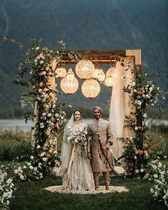 Desi Wedding Decor, Wedding Hall Decorations, Wedding Entrance, Wedding Mandap, Wedding Venues, Party Wedding, Wedding Photography Checklist, Indian Wedding Photography, Mehendi Photography