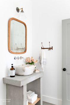 "Foto ""pinnata"" dai nostri lettori Emanuela e Fabio di CAFElab DIY Concrete Vanity"